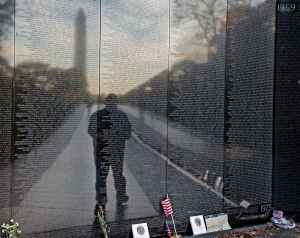 man-paid-tribute-veterans-visiting-vietnam-veterans